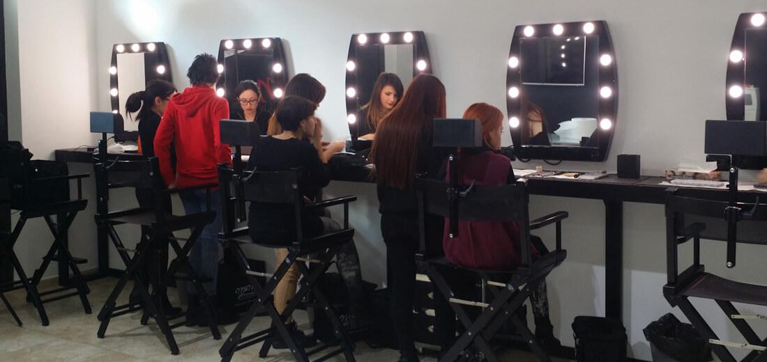 Postazioni trucco a parete per scuola makeup