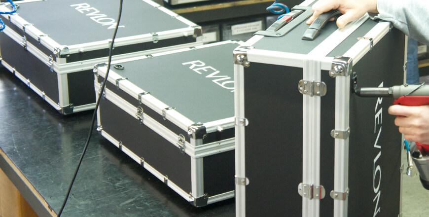 Stampa del logo (dettaglio valigia trucco)