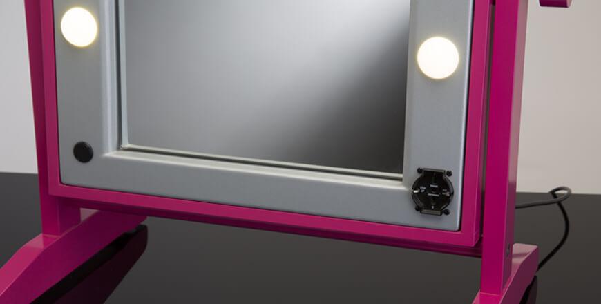 Specchi make up con luci cantoni per truccatori - Specchio con luci ...