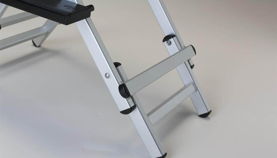 sedia trucco a doppia altezza in alluminio