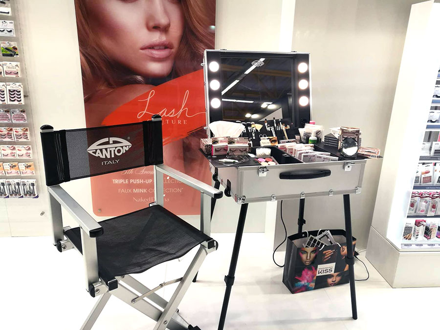 professional make up station for kiss products